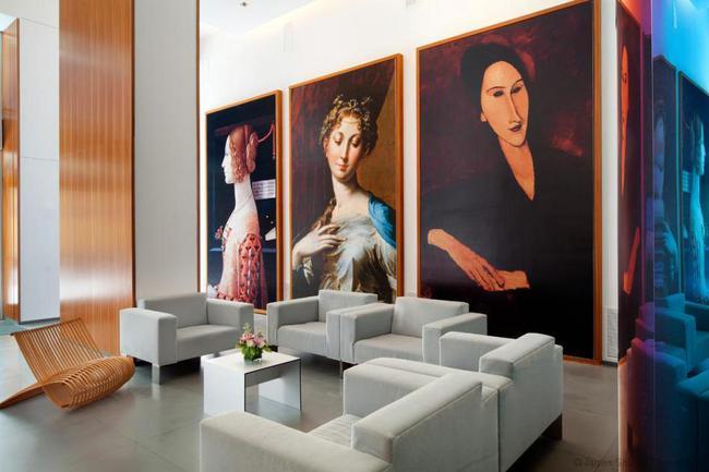 77 Hudson Lobby Art